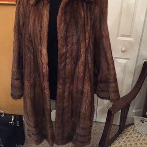 Women vintage W. M Harris Beaver fur coat. Medium